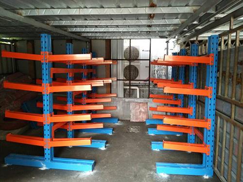 东莞货源重型悬臂式仓储货架定做单面双面金属悬臂式货架置物架