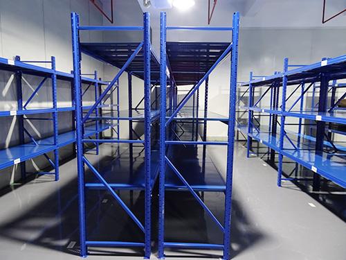 东莞货架仓储轻量型展示架库房置物架 五金中型重型仓库货架定做